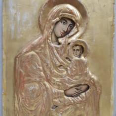 Maica Domnului cu Pruncul, Icoana Romaneasca, Ferecatura gips aurit
