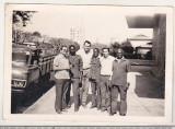 Bnk foto - Lucratori romani in Mozambic - anii `70, Alb-Negru, Portrete, Romania 1900 - 1950