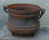 Oala veche din fonta masiva(ceaun), raritate