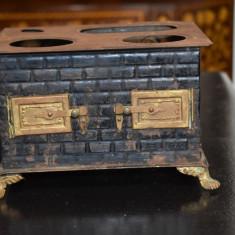 Soba din tabla de jucarie - pentru papusi / Tin Stove - cca. 1900-1910