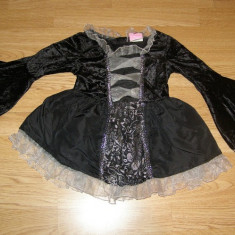 costum carnaval serbare rochie medievala vrajitoare pentru copii de 3-4 ani