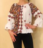 Cumpara ieftin Bluza stilizata cu motive traditionale Daniela 4