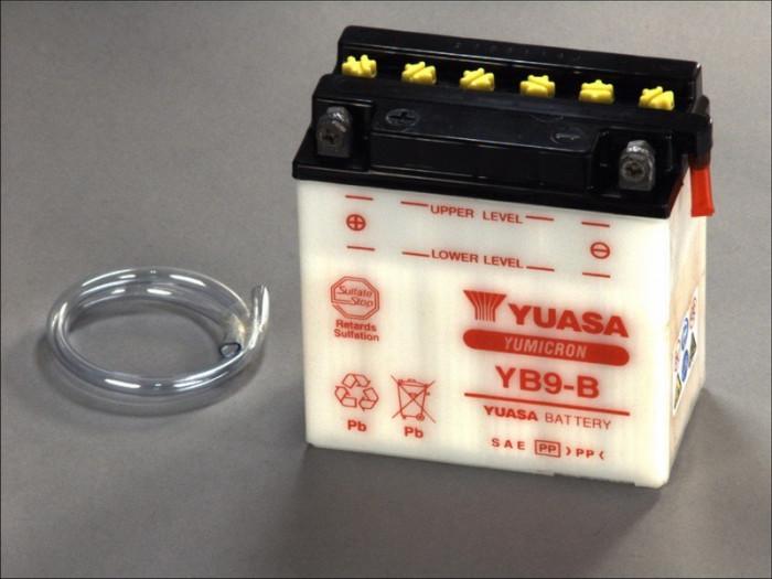 Yuasa baterie scuter maxiscuter YB9-B 138x77x141 12V 9Ah 130A Aprilia