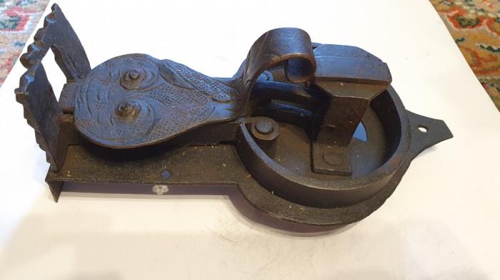 Incuietoare (zar) veche pentru lada / cufar (anii 1700)