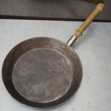 TIGAIE / CRATITA VECHE TARANEASCA - FACUTA DIN TABLA GROASA, OTELITA !
