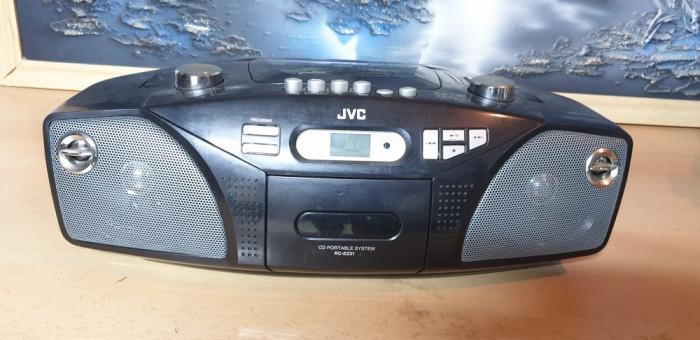 Aparat Radio Portabil JVC RC-EZ31B CD si Caseta DEFECTE Doar Radio
