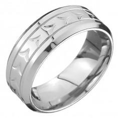 Inel din oțel - bandă, tăieturi în V în mijloc și două caneluri - Marime inel: 65