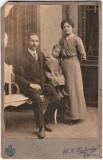 Fotografie veche pe carton familie, atelier foto M. K. Dudinsky  - Craiova