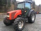 Tractor : Massey Ferguson 2435