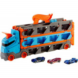 Cumpara ieftin Camion si pista de masinute Hot Wheels Speedway Hauler cu trailer si 3 masinute
