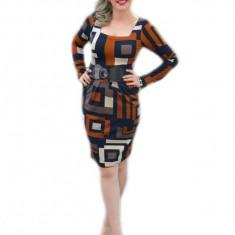 Rochie trendy cu model de carouri mari pe fond maro, de toamna