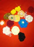 Ornamente tricotate: flori