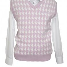 Vesta tinereasca, nuanta de roz, cu design modern abstract