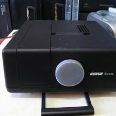 Proiector diapozitive REVUE FOCUS 200A