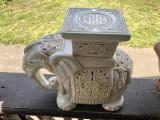 Elefant statueta veche,suport din ceramica emailata