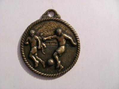 "CY - Medalie Spania fotbal ""Colegio Augustiniano"" bronz semnata Cebrian foto"