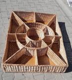Ladă mare compartimentată pentru prezentare produse