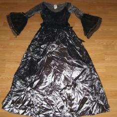 costum carnaval serbare rochie medievala regina pentru adulti marime M