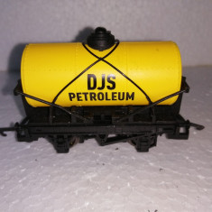 bnk jc Hornby - vagon cisterna DJS Petroleum