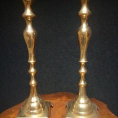 Elegant set de 2 sfeșnice din alama masiva de dimensiuni impresionante