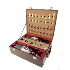 Cutie lemn cu accesorii sticla si sah