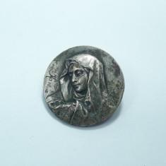 m Brosa veche Fecioara Maria, metal placat cu argint, argintata