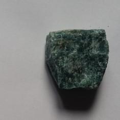 Comorile Pamantului: Roci si Minerale - APATIT (dimensiune 5x4,5x2,3 cm)