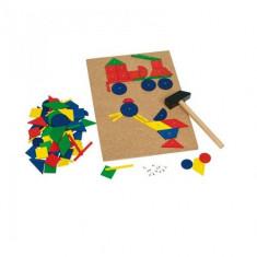 Joc de Constructii cu Ciocan si Cuie