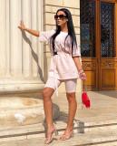 Compleu dama ieftin din bumbac roz pal compus din pantaloni scurti si tricou lejer cu centura