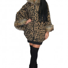 Jacheta tip poncho din lana, animal print, cu captuseala subtire, culoare mare