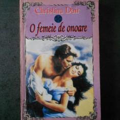CHRISTINA DAIR - O FEMEIE DE ONOARE