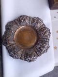 Veche Fructiera din alama traforata  cu pasari