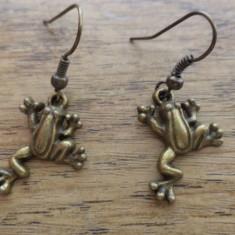 Cercei bronz broscuta