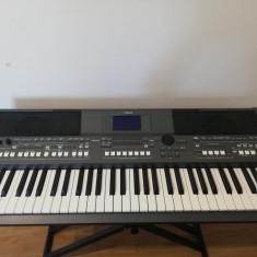 Yamaha PSR s670 +stativ dublu+pedală expresie