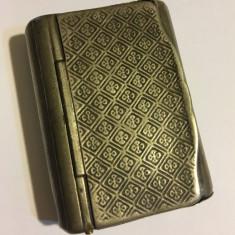 Cutie veche de argint 830 (aprox. 1920) 50 gr., Anglia, model superb pe capac!
