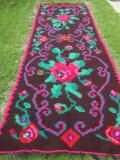 Covor vechi din lana , covor tesut manual din Transilvania, covor cu flori