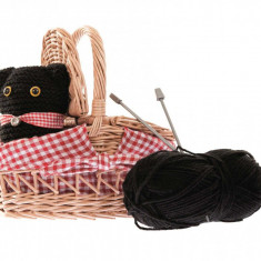 Cos cu andrele pentru tricotat, Egmont
