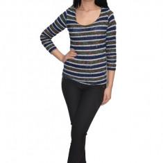 Bluza tricotata,model multicolor ,nuanta bleumarin