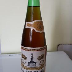 Sticla de vin Murfatlar Riesling Italian cu o vechime intre 40-60 ani