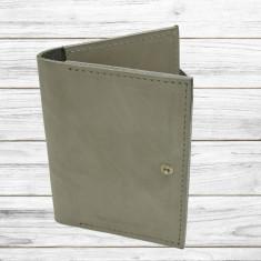 Husa pasaport piele naturala gri inchis inchidere capsa