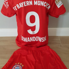 Echipament sportiv fotbal copii Bayern Munchen Lewandowski model nou 2020