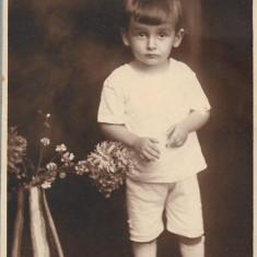 Fotografie studio Brasov copil poza veche