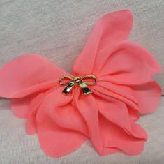 Elastic par tip floare, cu fundita din plastic, culoare ciclamen ( siclam )