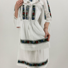 Rochie traditionala fetite Iasmina