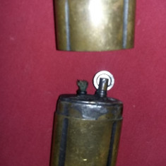 Bricheta veche functionala,bricheta cu piatra fitil si benzina,colectie,T.GRATUI