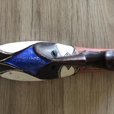 Masca veche,balineza,sculptata in lemn,pictat