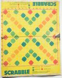 Plansa veche joc romanesc Scrabble  perioada RSR , cartonata