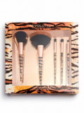 Cumpara ieftin Set 5 pensule machiaj Makeup Revolution Wild Animal Fierce Brush