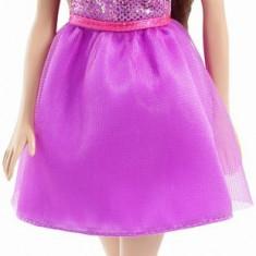 Papusa Barbie cu rochita mov