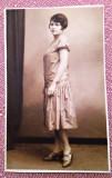 Tanara in tinuta de epoca - Fotografie tip carte postala datata 1927